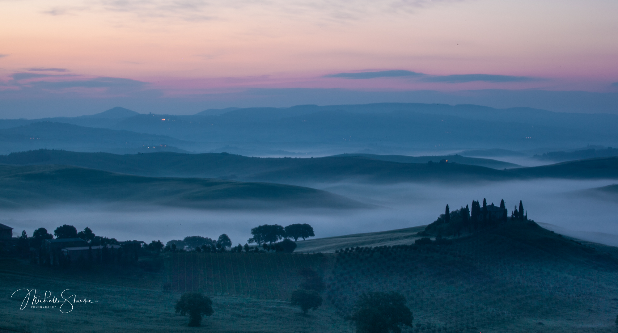 Tuscan Farmhouse at sunrise, Tuscany, Italy